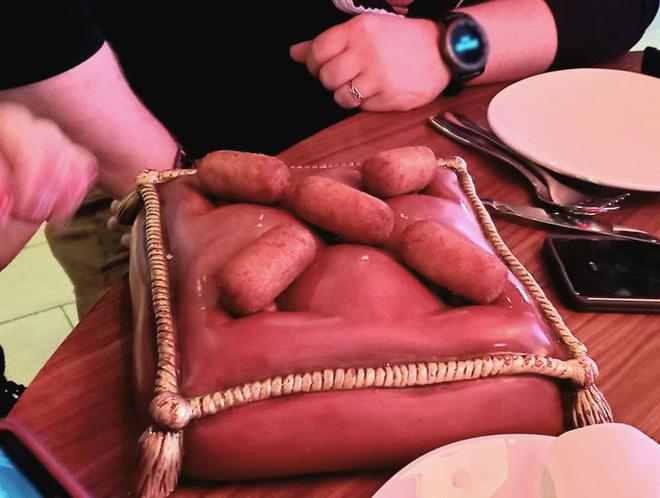 """Hễ các nhà hàng cao hứng """"bày vẽ"""" là thực khách lại câm nín và bó tay: Xin cho tôi bữa ăn bình thường được không? - Ảnh 4."""
