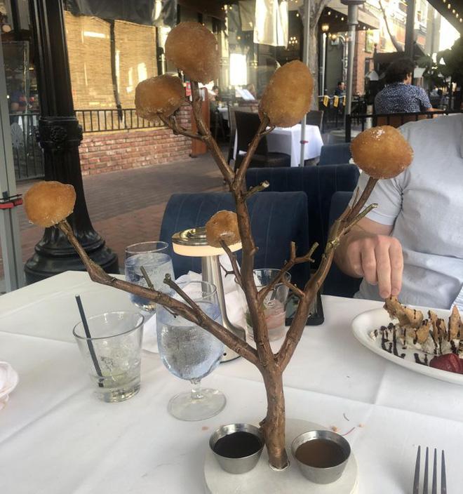 """Hễ các nhà hàng cao hứng """"bày vẽ"""" là thực khách lại câm nín và bó tay: Xin cho tôi bữa ăn bình thường được không? - Ảnh 8."""