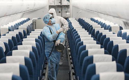 Từ trường hợp nam thanh niên ở Hà Nội mắc Covid-19: Chuyên gia chỉ ra khả năng lây nhiễm trên máy bay