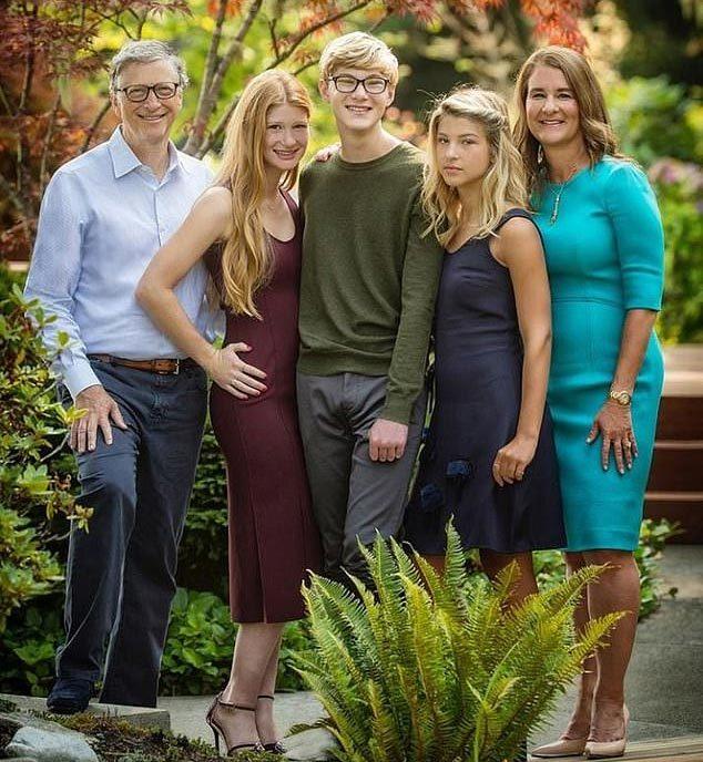 Từng nổi tiếng yêu vợ, không ngại rửa bát làm việc nhà, Bill Gates khiến nhiều người bất ngờ khi tuyên bố ly hôn sau 27 năm chung sống - Ảnh 3.