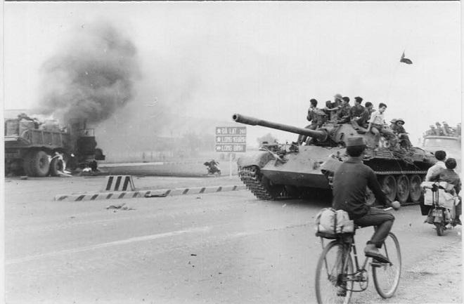 Tình huống bất ngờ nảy sinh ngay trước cửa ngõ Sài Gòn: Quyết định sinh tử ở Lữ đoàn xe tăng 273 - Ảnh 3.
