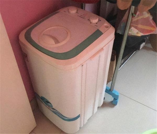 Con gái 7 tuổi nhập viện, mê sảng liên tục nhắc đến chiếc máy giặt, bà mẹ sốc khi phát hiện bí mật đáng sợ - Ảnh 3.