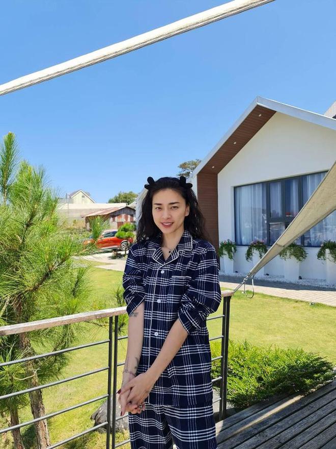 Huy Trần đã chịu tung ảnh 'full HD' nắm tay Ngô Thanh Vân ở Đà Lạt, kém 11 tuổi mà xưng hô 'anh - em' với chị đẹp ngọt xớt! - ảnh 4