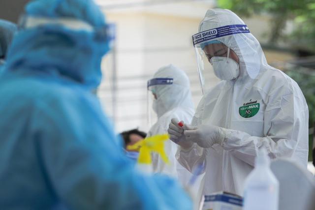 2 người ở TP. HCM có kết quả test nhanh SARS-CoV-2 dương tính tại Campuchia: Bác sĩ chỉ ra 2 khả năng - Ảnh 1.