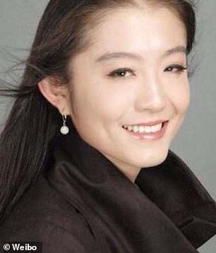 Bị cho là lý do khiến vợ chồng Bill Gates ly dị, nữ phiên dịch viên Trung Quốc chính thức lên tiếng - Ảnh 2.
