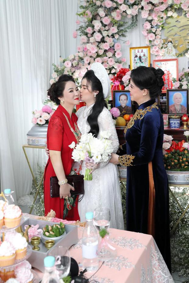 Con dâu sinh năm 96 của bà chủ Đại Nam Phương Hằng khoá Facebook sau lễ đính hôn ngập kim cương - Ảnh 5.