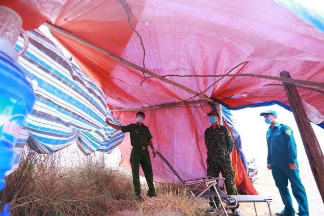 Chống Covid ở biên giới Tây Nam: Bộ đội cần thêm đèn pin, thuốc chống muỗi, mỳ tôm, nước - Ảnh 3.