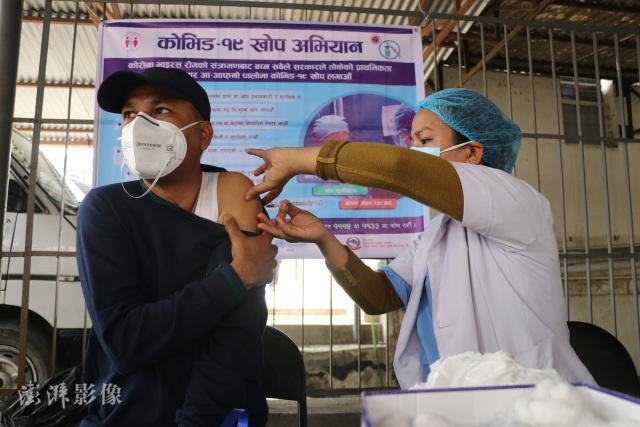 Hơn 8600 ca nhiễm Covid-19/ngày: Có một Ấn Độ thu nhỏ đang nóng lên tại Châu Á - Ảnh 5.