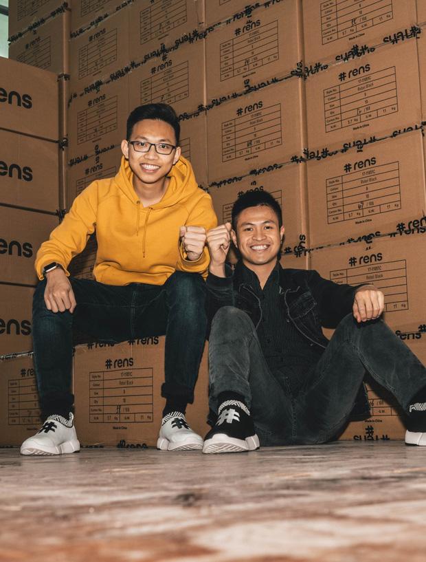 9X Việt làm giày từ bã cà phê được Forbes vinh danh nói gì khi bị tố bóc lột, huỷ hợp đồng dồn đồng hương vào đường cùng? - Ảnh 1.