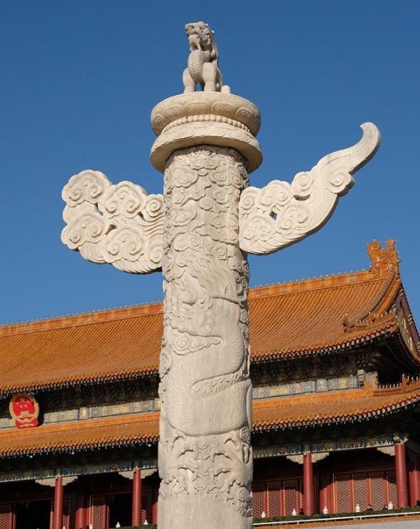 Quảng trường Thiên An Môn có 2 cột đá lớn, trên đầu còn có linh thú ngồi xổm: Tại sao các hoàng đế không dám phá bỏ chúng? - Ảnh 2.