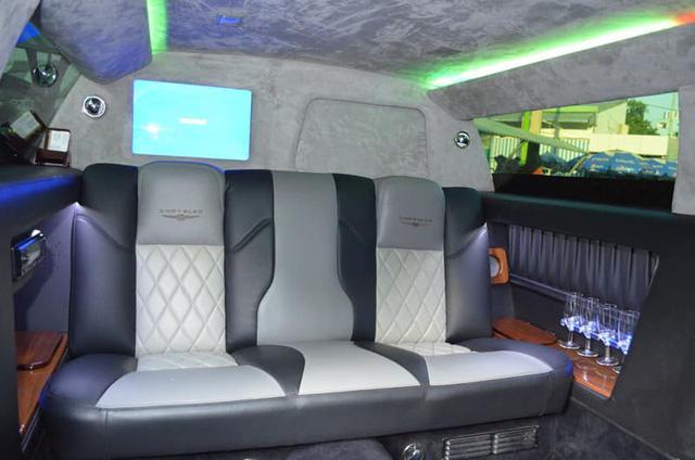 Bán limousine dài 6,4 mét siêu hiếm giá 3,2 tỷ, đại gia chia sẻ: Cả Việt Nam có 2 chiếc, nội thất hơn hẳn Mercedes-Maybach - Ảnh 2.