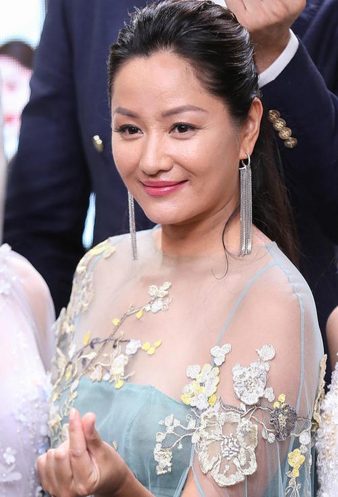 Siêu mẫu số 1 xứ tỷ dân Trung Quốc khốn khổ vì yêu chồng Vương Phi, bị tình cũ Cao Viên Viên phản bội và cái kết buồn tuổi 50 - Ảnh 21.