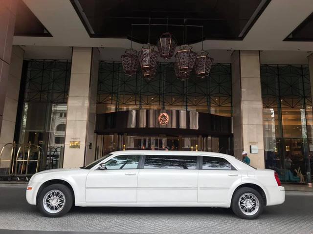 Bán limousine dài 6,4 mét siêu hiếm giá 3,2 tỷ, đại gia chia sẻ: Cả Việt Nam có 2 chiếc, nội thất hơn hẳn Mercedes-Maybach - Ảnh 4.