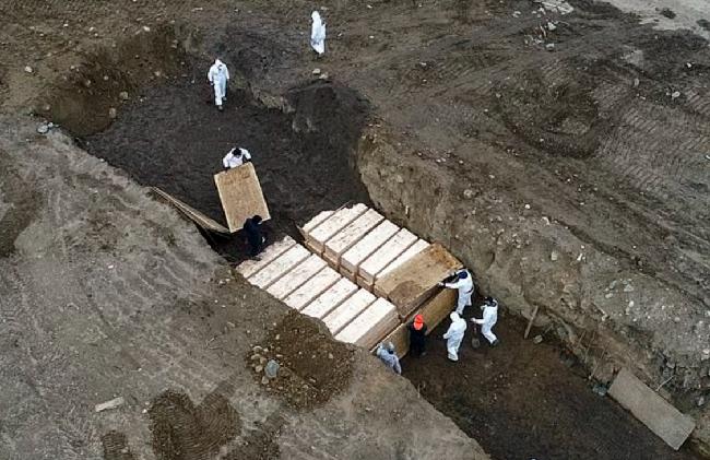 Tử vong đã hơn 1 năm, vì sao 750 nạn nhân COVID-19 ở Mỹ vẫn chưa được chôn cất? - Ảnh 2.