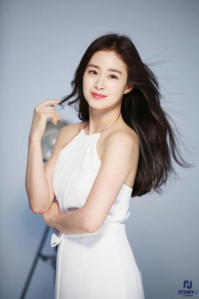 Tình duyên của dàn sao Chuyện Tình Harvard: Nam chính nhảy sông tự tử, nam phụ chia tay người yêu vì... Kim Tae Hee - ảnh 15