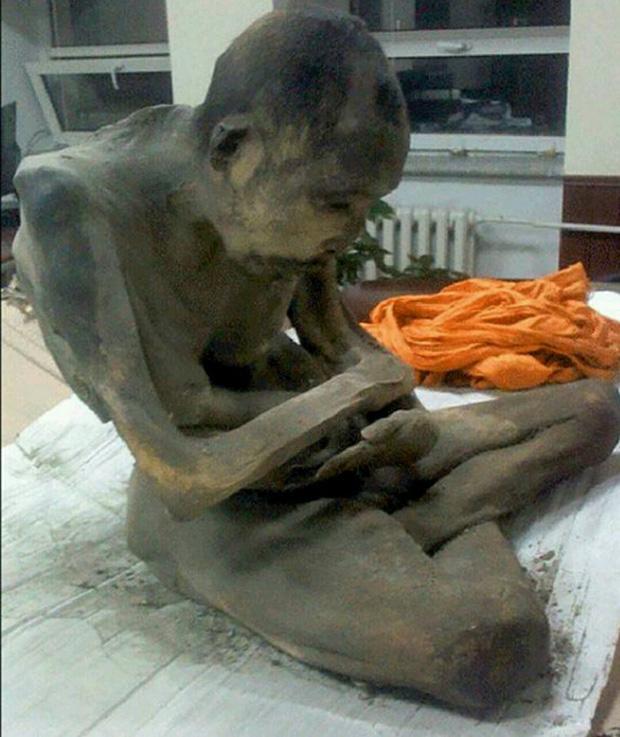 Chụp cắt lớp tượng Phật 1.000 năm tuổi, các nhà khoa học sửng sốt thấy bộ xương người rõ mồn một bên trong, chuyện kỳ quái gì đã xảy ra? - Ảnh 5.