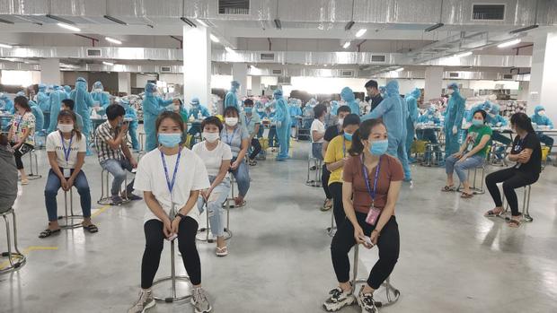Trăng mật trong tâm dịch của vợ chồng bác sĩ trẻ ở Quảng Ninh - Ảnh 3.