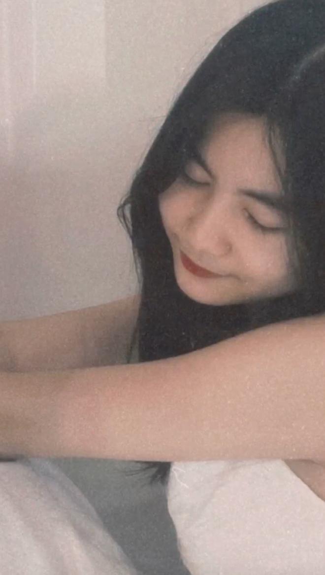 Không kém chị Lọ Lem, gái út nhà MC Quyền Linh cũng tung ảnh xinh nức nở và ra dáng lắm rồi - Ảnh 2.
