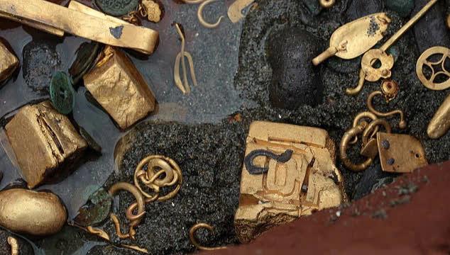 Lão nông tham lam nhặt được bảo vật quý hiếm, mặc lời can ngăn vẫn bán đi với giá 13 triệu NDT: 3 năm sau quả báo tìm đến - Ảnh 1.
