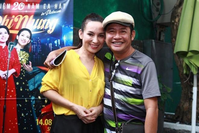 Đời tư kín tiếng nhưng Phi Nhung lại rất thoải mái ôm hôn đồng nghiệp nam - Ảnh 10.