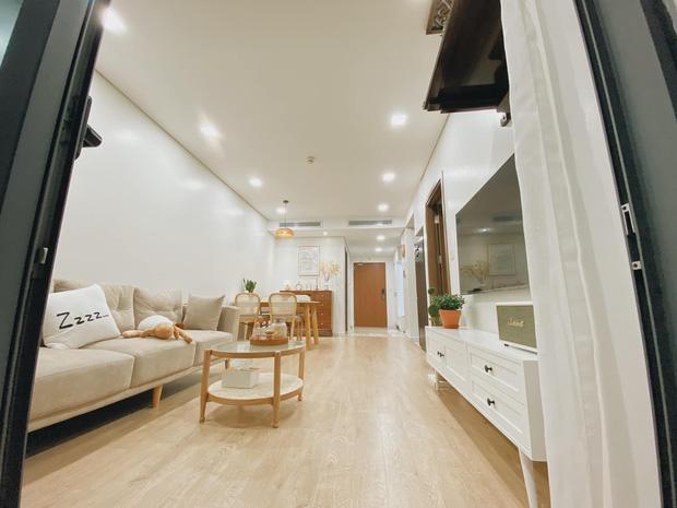Mua chung cư 72m2, vợ chồng mới cưới tự tay thiết kế từng góc theo phong cách Hàn Quốc, chơi thêm cả bể cá ban công - Ảnh 1.