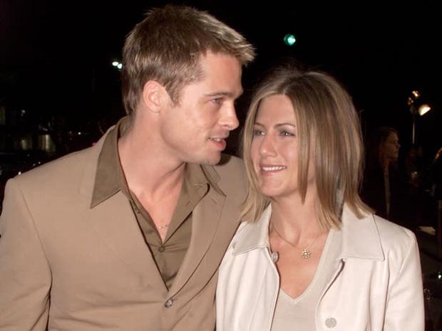 Hôn nhân đầu tiên của Brad Pitt: Tỏ tình trên thảm đỏ rồi toang vì tiểu tam Angelina, từ thù thành bạn với vợ cũ sau 15 năm - Ảnh 1.
