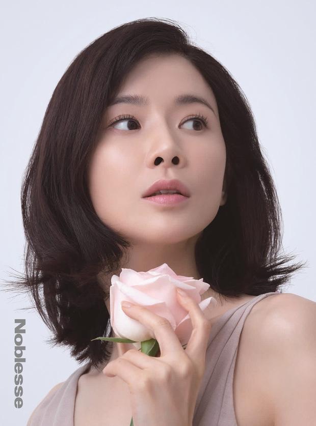 """""""Mợ út tài phiệt của Mine"""" Lee Bo Young: Hoa hậu bị gán mác tiểu tam, cự tuyệt tài tử Ji Sung rồi lại cùng chàng có kết đẹp như cổ tích - ảnh 1"""