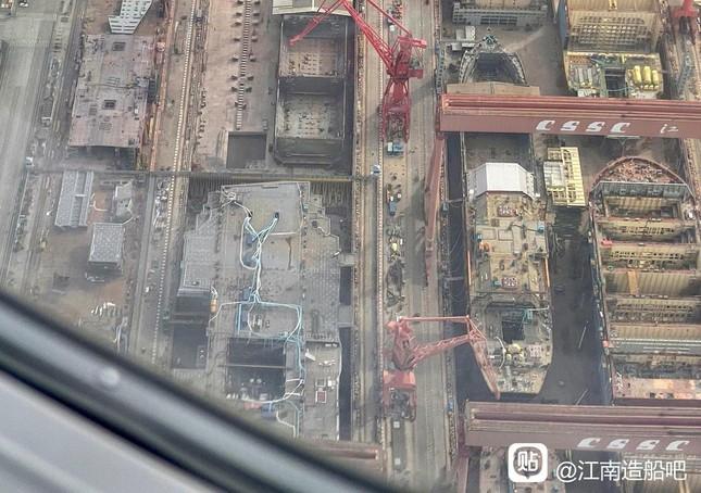 Hé lộ những hình ảnh mới nhất về tàu sân bay thứ ba của Trung Quốc  - Ảnh 3.