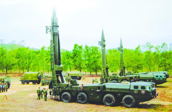 Việt Nam tiến tới thành lập binh chủng tên lửa chiến lược: Uy lực vô song, Iskander đáng đồng tiền bát gạo? - Ảnh 1.