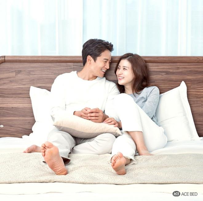"""""""Mợ út tài phiệt của Mine"""" Lee Bo Young: Hoa hậu bị gán mác tiểu tam, cự tuyệt tài tử Ji Sung rồi lại cùng chàng có kết đẹp như cổ tích - ảnh 19"""