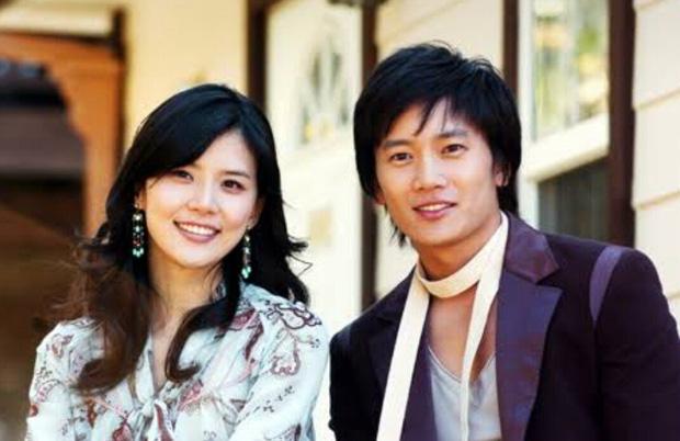 """""""Mợ út tài phiệt của Mine"""" Lee Bo Young: Hoa hậu bị gán mác tiểu tam, cự tuyệt tài tử Ji Sung rồi lại cùng chàng có kết đẹp như cổ tích - ảnh 9"""