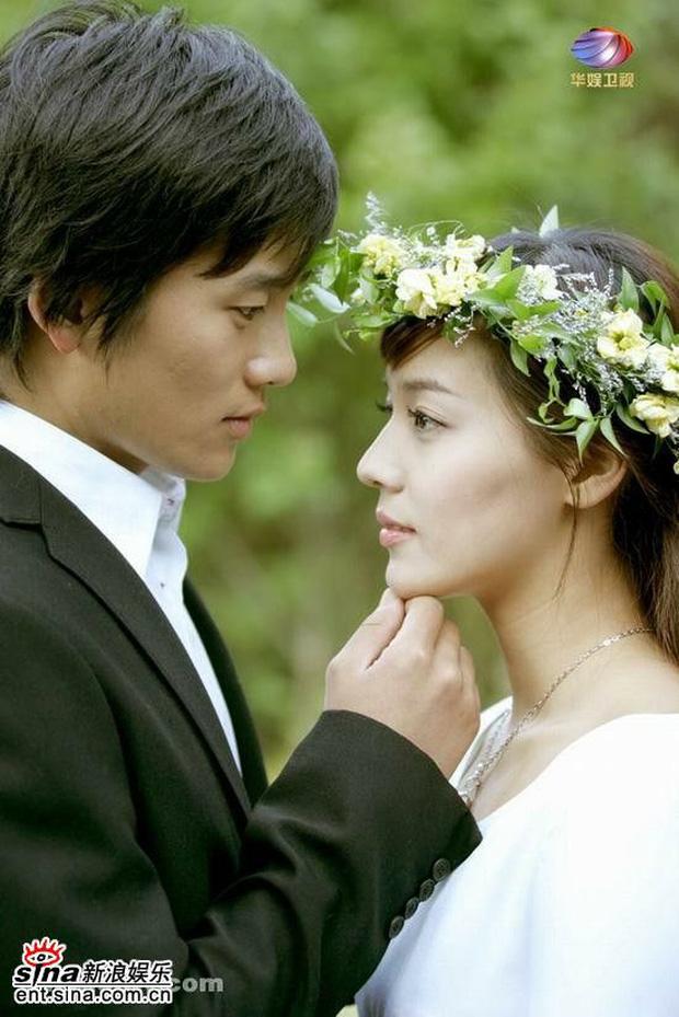 """""""Mợ út tài phiệt của Mine"""" Lee Bo Young: Hoa hậu bị gán mác tiểu tam, cự tuyệt tài tử Ji Sung rồi lại cùng chàng có kết đẹp như cổ tích - ảnh 10"""