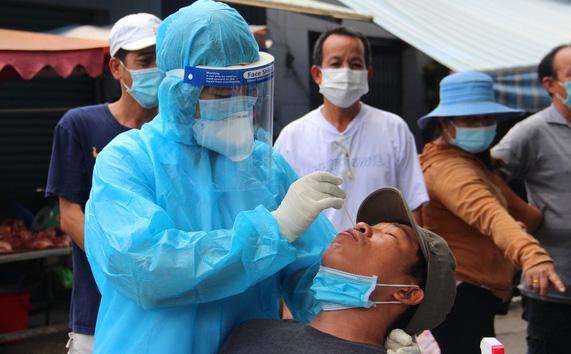 TP.HCM: Chuỗi lây nhiễm khiến 21 người dương tính Covid-19 tại Cty Pouyuen, Ehome 3 và quận 8