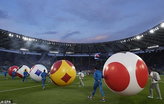 CHÙM ẢNH: Lễ khai mạc EURO 2020 rực rỡ và hiện đại - Ảnh 5.