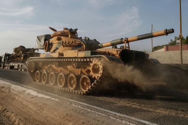 QĐ Nga & Syria ồ ạt tấn công hủy diệt, tống quân Thổ vào hố sâu tuyệt vọng - Tàu ngầm Nga áp sát bờ biển Anh! - Ảnh 1.