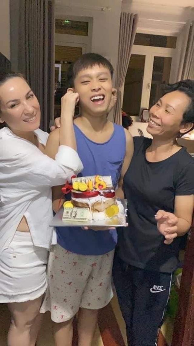 Quản lý Phi Nhung nói ba mẹ Cường còn trẻ, đi làm có gì sai, dân mạng phẫn nộ: Đừng đem con mình cho người khác nuôi - Ảnh 3.