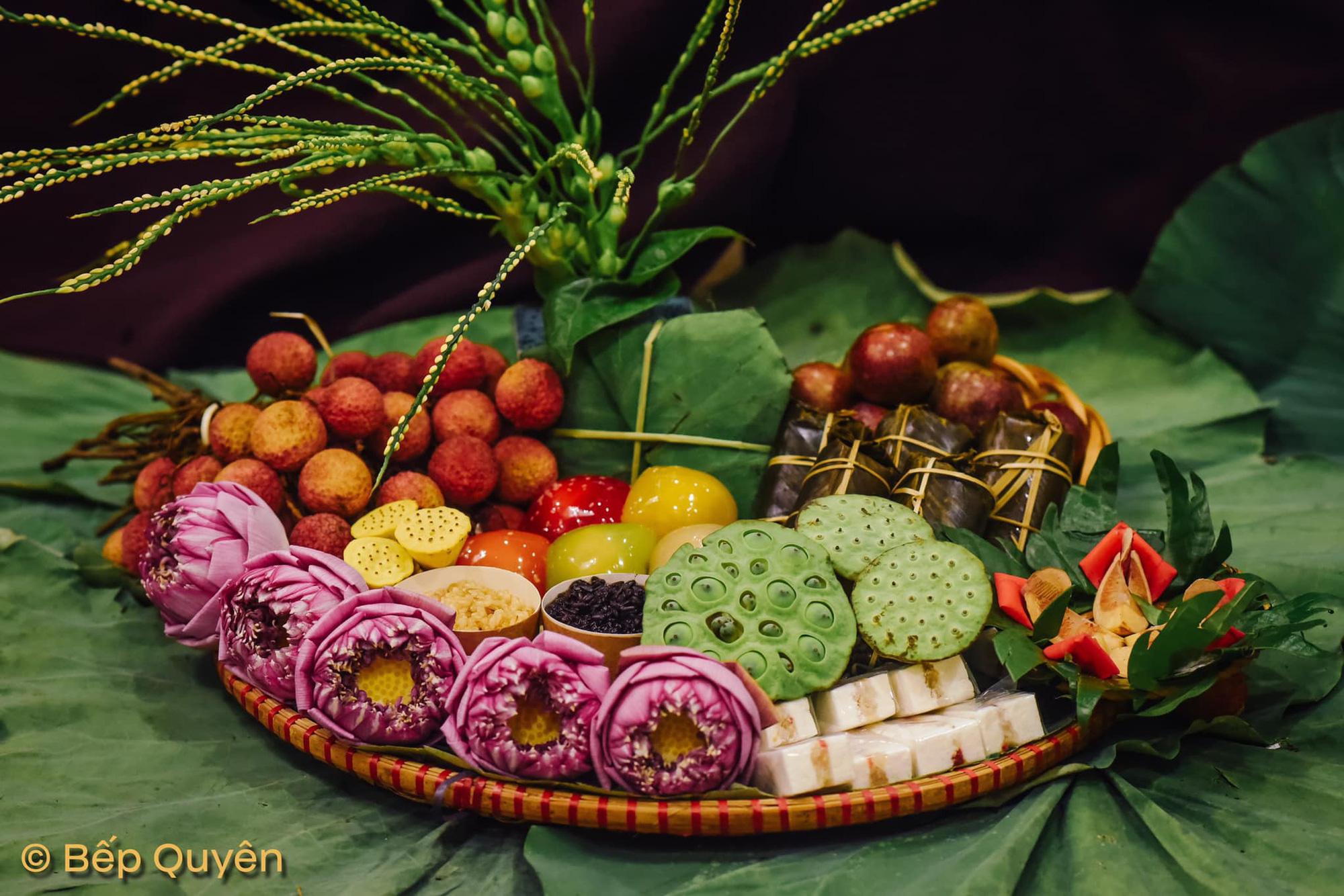 Mâm lễ hoa quả, rượu nếp sốt xình xịnh ngày Tết Đoan Ngọ, người bán chốt đơn không xuể - Ảnh 6.