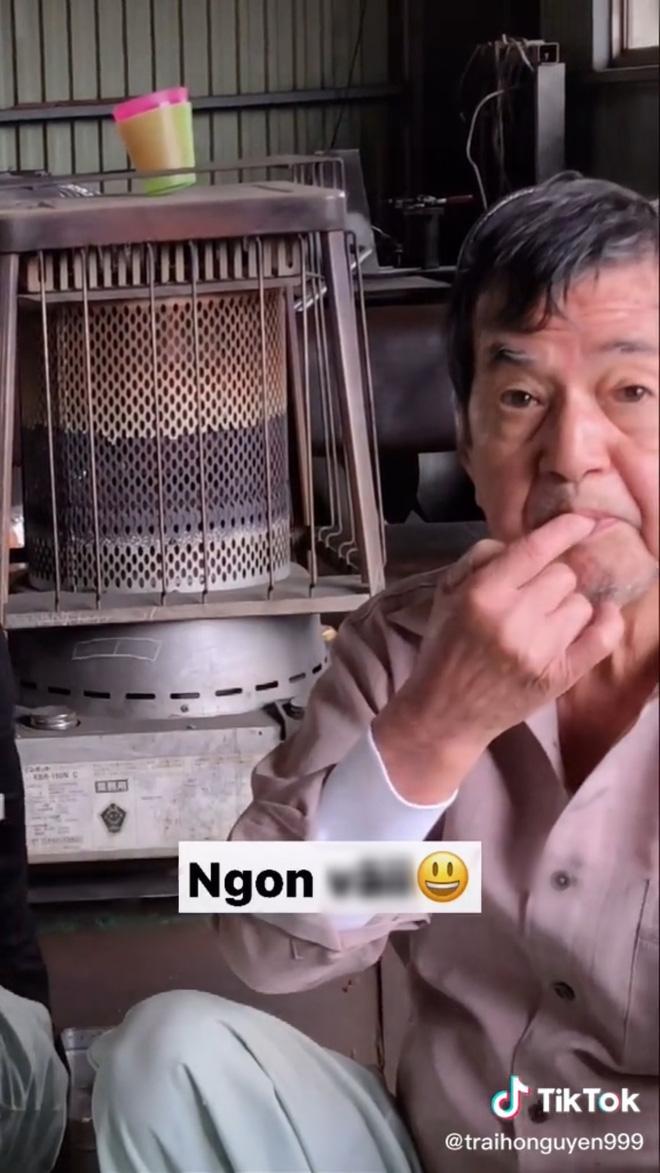 Hai ông chú người Nhật tròn mắt khi lần đầu nếm thử bột canh Việt Nam: Ngon đến nỗi phải kéo nhau ra một góc nhấm nháp - Ảnh 2.