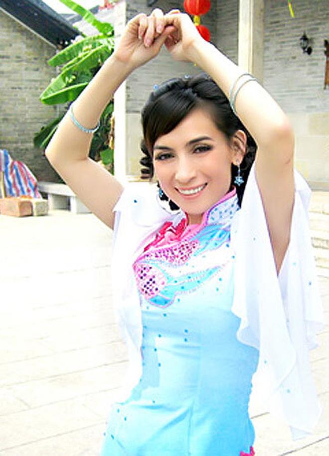 Phi Nhung từng đóng phim Hoa ngữ 11 năm trước: Lấy tên Phi Phi còn cặp kè sao phim Châu Tinh Trì, điểm đánh giá cao chói mắt! - Ảnh 9.