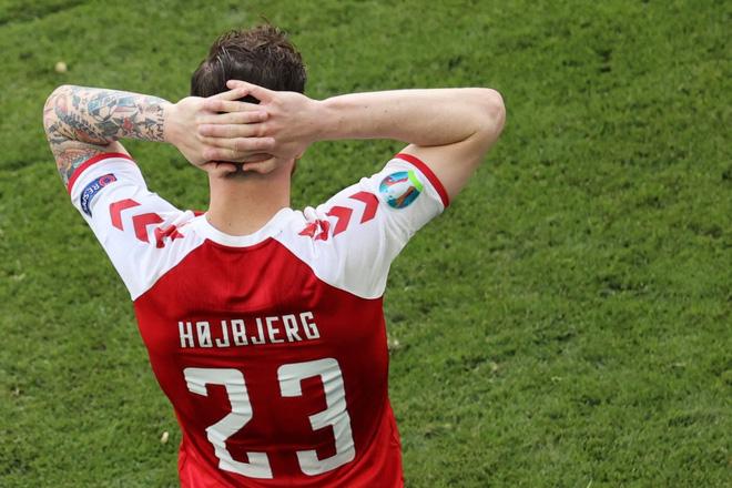 Sự cố Eriksen phơi bày bản chất đê tiện của UEFA - Ảnh 11.