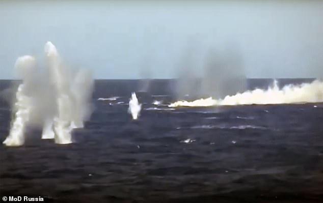 Video cuộc tập trận rầm rộ quy mô lớn của Nga trước thượng đỉnh Putin - Biden - ảnh 6