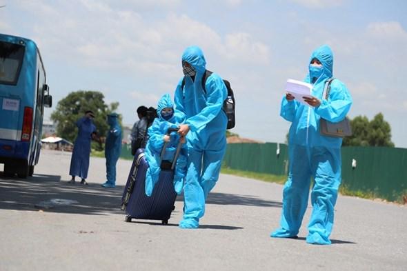 20 xe buýt đến tâm dịch Bắc Giang đón gần 290 người về Hà Nội - Ảnh 5.