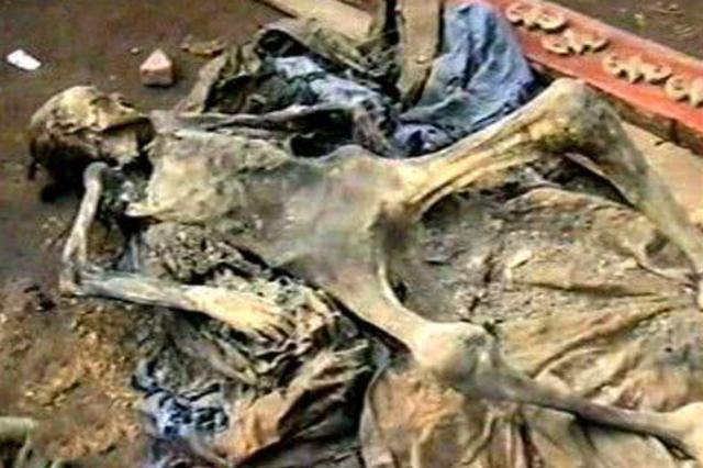 Thấy xác chết há hốc miệng khi khai quật lăng mộ, đội khảo cổ sợ hãi: Người này đã tỉnh dậy trong quan tài! - Ảnh 1.