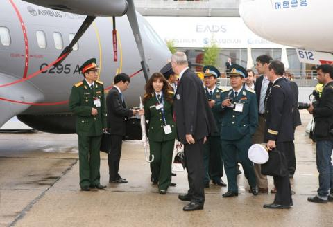 Máy bay quân sự hiện đại Không quân Việt Nam vừa mua từ Mỹ: Đột phá lớn và hết sức đặc biệt - Ảnh 2.