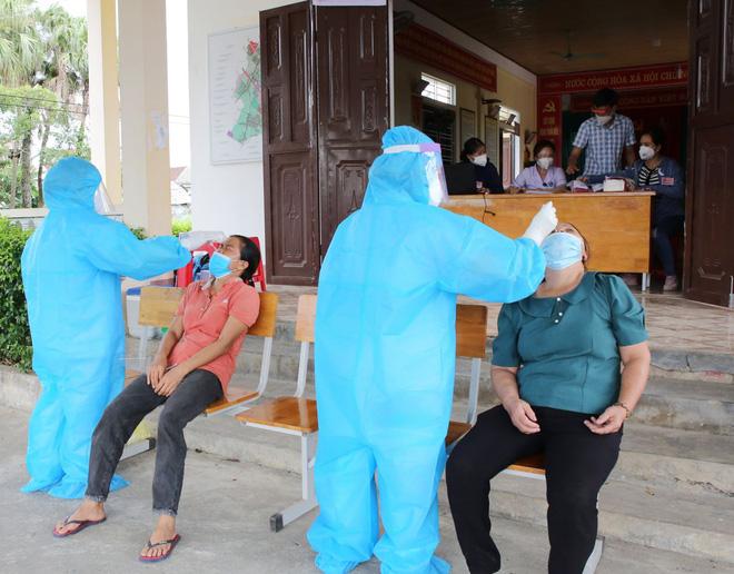 Một bệnh nhân COVID-19 ở Tây Ninh qua đời; Công an mắc COVID-19 ở Nghệ An có hơn 6.000 F1 - Ảnh 1.