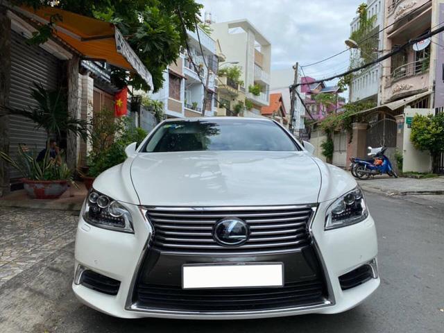 Giữ giá như Lexus LS 460L: 8 năm tuổi vẫn rao bán 3,5 tỷ đồng, ODO chỉ 2.600km/năm - Ảnh 1.