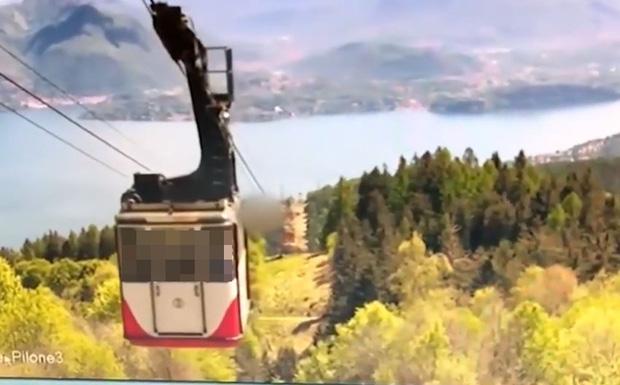 Video: Kinh hoàng khoảnh khắc cáp treo đột ngột đứt dây rơi tự do từ độ cao 500 mét khiến 14 người tử vong thương tâm - Ảnh 2.