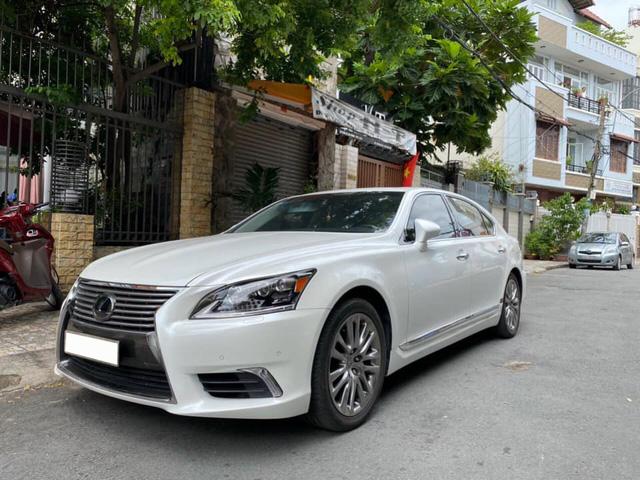 Giữ giá như Lexus LS 460L: 8 năm tuổi vẫn rao bán 3,5 tỷ đồng, ODO chỉ 2.600km/năm - Ảnh 5.