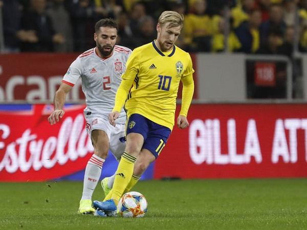 Thụy Điển - Slovakia: Vé đầu tiên gây sốc? - Ảnh 2.