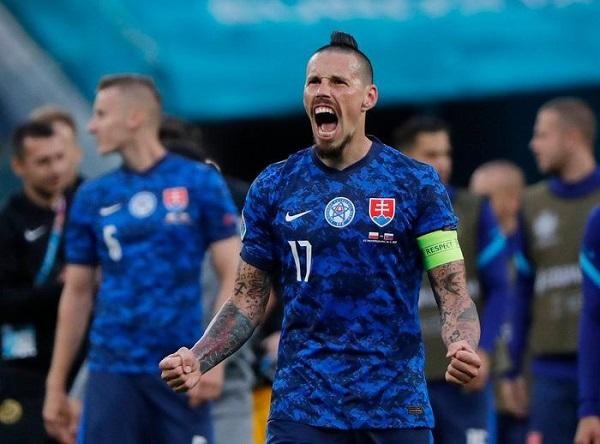 Thụy Điển - Slovakia: Vé đầu tiên gây sốc? - Ảnh 3.